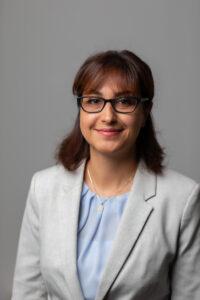 Mina Lesani